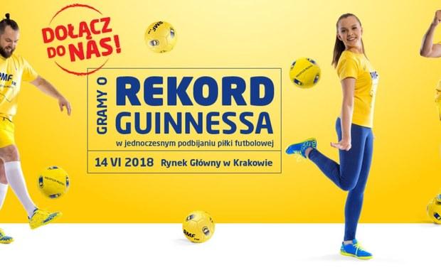 W tamtym roku, 24 sierpnia, razem ze słuchaczami RMF FM pobiliśmy rekord Guinnessa w jednoczesnym podbijaniu piłki do siatkówki! 14 czerwca ponownie spotykamy się na Rynku Głównym w Krakowie, by wspólnie z wami podbijać piłkę futbolową przez 10 sekund i ponownie wpisać się na listę rekordzistów Guinnessa!