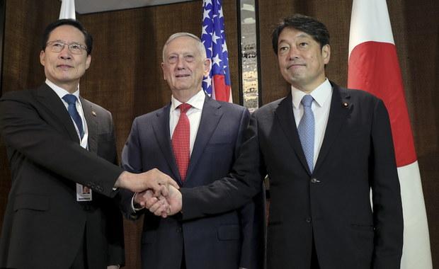 """Droga do negocjacji z Koreą Północną nt. jej potencjału nuklearnego będzie """"wyboista"""" - ostrzegł sekretarz obrony USA James Mattis. Do Korei Południowej i Japonii zaapelował, by utrzymywały silny potencjał obronny - tak, aby możliwe było negocjowanie z Pjongjangiem z pozycji siły."""