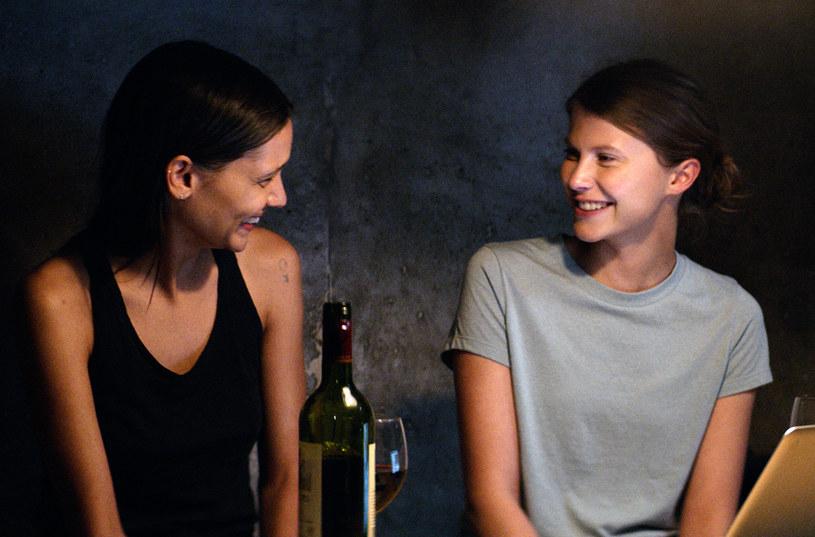 """8 czerwca do polskich kin trafi thriller """"Thelma"""" w reżyserii Joachima Triera - opowieść o nadprzyrodzonych mocach i najgłębiej ukrytych pragnieniach. Jak pisze ThePost, """"Thelma"""" to fascynujące połączenie Bergmanowskiego klimatu z kinem akcji na poziomie, którego nie powstydziłby się Stephen King."""
