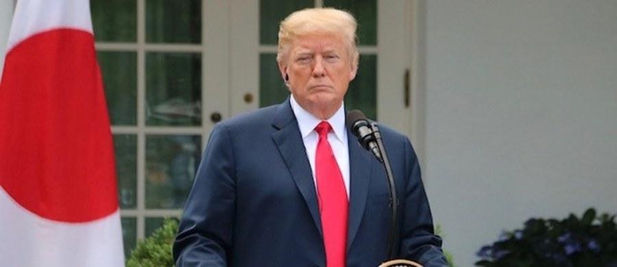 Prezydent USA Donald Trump i premier Japonii Shinzo Abe rozmawiali w Białym Domu o szczycie Trump-Kim i denuklearyzacji Półwyspu Koreańskiego. Trumo zapowiedział, że maksymalna presja na Koreę Północną – włącznie z sankcjami - będzie utrzymana do czasu pełnej denuklearyzacji Półwyspu Koreańskiego.  Prezydent USA mówił też, że jest przygotowany do szczytu z Kim Dzong Unem.