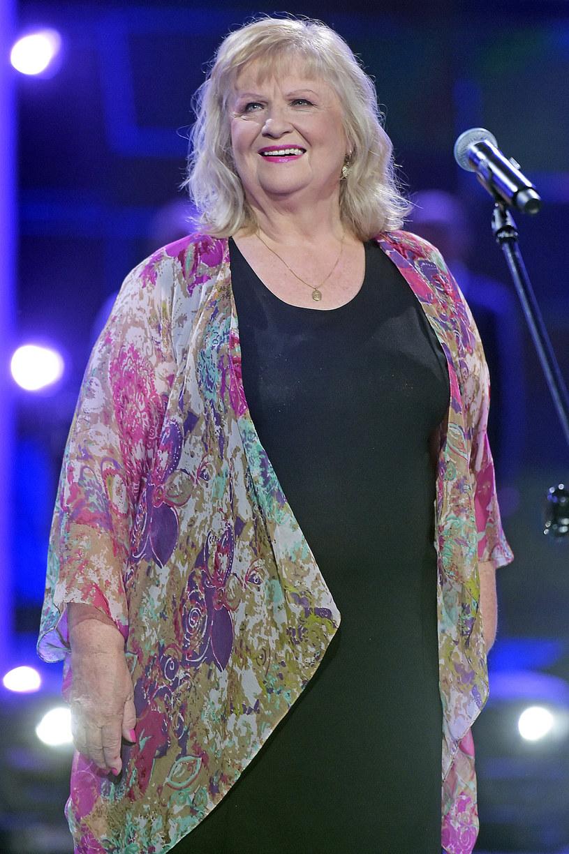 - Swój debiut na tym festiwalu wspominam jako wzruszające przeżycie. Wszystko zaczęło się od Opola - powiedziała aktorka i wokalistka Stanisława Celińska. Podczas niedzielnego koncertu na 55. KFPP w Opolu artystka została odznaczona Nagrodą Telewizyjnej Jedynki.