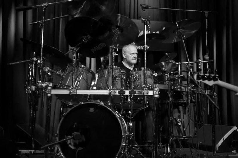 We wtorek 12 czerwca zmarł Jon Hiseman, perkusista i współzałożyciel jazzrockowej grupy Colosseum. 21 czerwca skończyłby 74 lata.