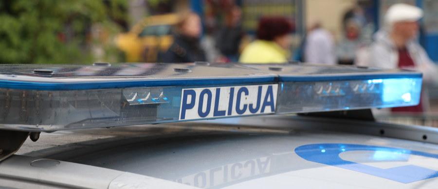 Pięć samochodów zderzyło się na drodze S1 między Pyrzowicami a Podwarpiem w Śląskiem.