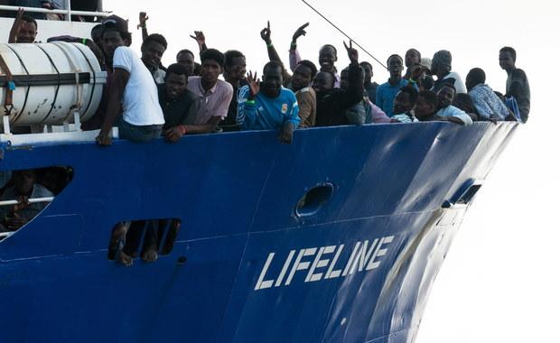 Rząd Hiszpanii nawiązał kontakt z Maltą w celu udzielenia pomocy migrantom ze statku organizacji pozarządowej Lifeline, który być może popłynie na wyspę po tym, jak nie wpuściły go Włochy.