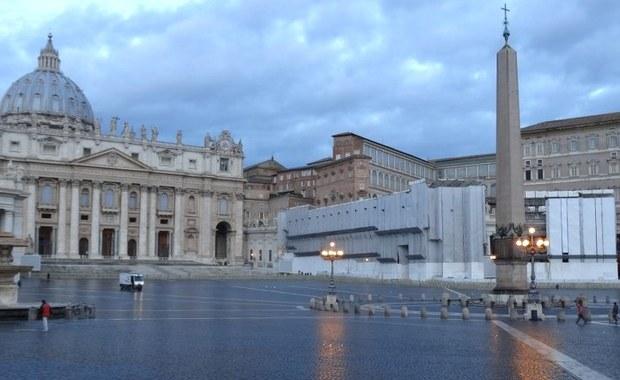 Były pracownik nuncjatury Stolicy Apostolskiej w Waszyngtonie ksiądz Carlo Alberto Capella stanął w piątek przed trybunałem w Watykanie, oskarżony o posiadanie pornografii dziecięcej. W pierwszym dniu procesu przyznał się do winy.