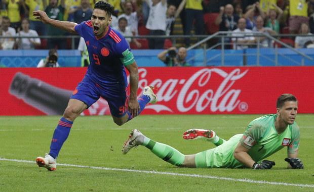 Reprezentacja Polski przegrywa w Kazaniu z Kolumbią 0:3. Bramki dla drużyny Jose Pekermana strzelili Yerri Mina, Radamel Falcao i Juan Cuadrado . Ten wynik oznacza, że tracimy szansę na wyjście z grupy H do fazy pucharowej mundialu. W czwartek mecz z Japonią nie będzie miał dla naszej reprezentacji żadnego znaczenia.