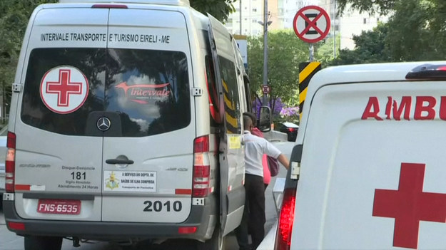 Kolejki samochodów oraz mnóstwo ludzi pod szpitalem w gęsto zaludnionym Sao Paulo. Brazylia po raz pierwszy ostatniej doby zarejestrowała ponad 4000 zgonów spowodowanych Covid-19 - podało brazylijskie ministerstwo zdrowia.