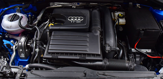 1,4-litrowy silnik ma układ odłączania 2 cylindrów. W mieście zużywa 9-10 l/100 km, a na autostradzie przy 140 km/h – około 9 l. /Motor