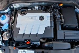 1,6-litrowy silnik o mocy 105 KM zapewnia przeciętne osiągi, ale jest oszczędny. /Volkswagen