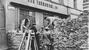 1 kwietnia 1940 r. Mur wokół żydowskiej dzielnicy
