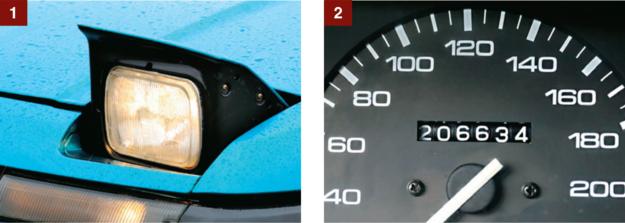 [1] Mechanizm otwierania lamp jest trwały, ale same lampy świecą raczej słabo. [2] Tylko 206 tys. km – mechanika wytrzyma jeszcze długo, z blachą nie jest najlepiej. /Motor
