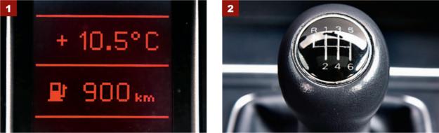 [1] Nie trzeba się starać, by osiągnąć 900 km zasięgu. Przy spokojnej jeździe rośnie do 1000 km. [2] Drążek 6-biegowej przekładni porusza się z niewielkim oporem i bardzo precyzyjnie. /Motor