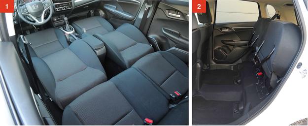 """[1] Po wyjęciu zagłówków oparcia foteli składają się na płasko – powstaje wówczas """"leżanka"""" o długości 1,6 metra. [2] Po podniesieniu siedzisk z tyłu można przewieźć przedmioty o wysokości 1,3 m. /Motor"""