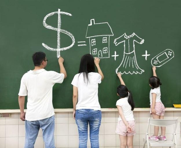 1 tys. zł miesięcznie dla rodziców, którym nie przysługuje urlop /123RF/PICSEL