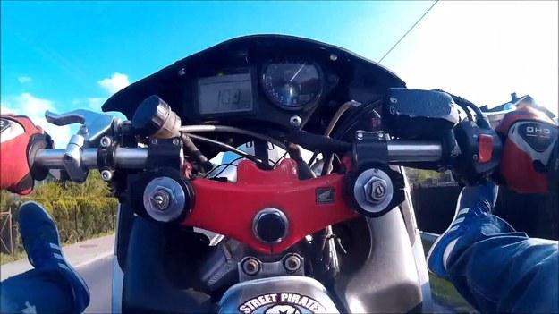 103 km/h na jednym kole, siedząc na baku z nogami podniesionymi do góry. Jak to skomentować? /