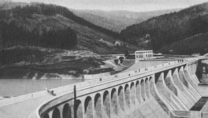 13 grudnia 1936 r. Oddano do użytku zaporę na Sole w Porąbce