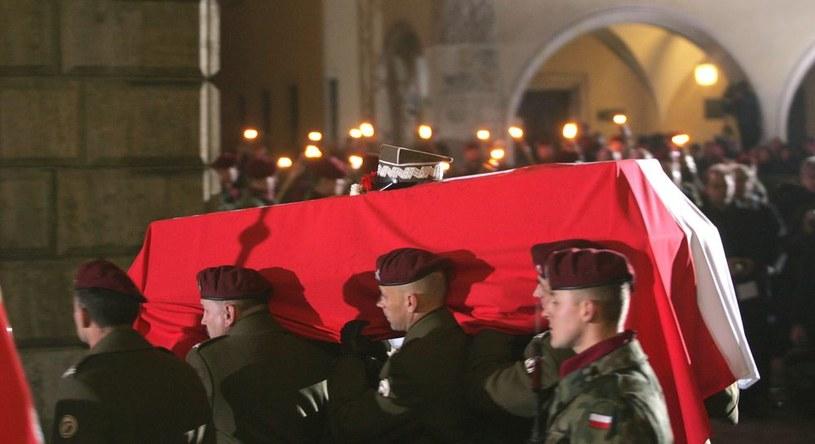 17 września 1993 r. prochy gen. Sikorskiego spoczęły w krypcie św. Leonarda katedry na Wawelu /Paweł de Ville /East News