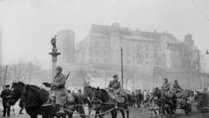 18 stycznia 1945 r. Czerwonoarmiści wkraczają do Krakowa.