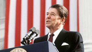 19 lutego 1987 r. Ronald Reagan znosi sankcje