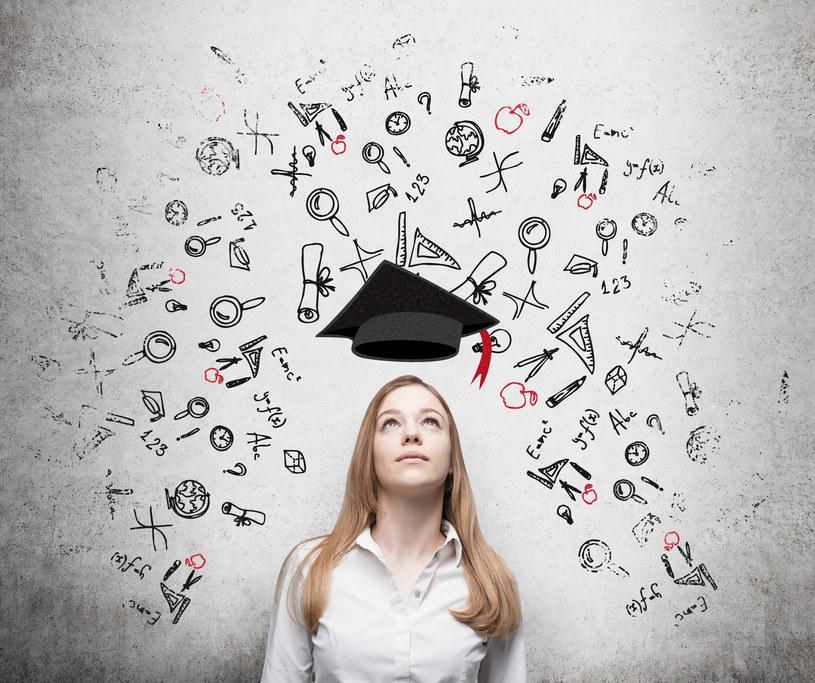 1Zdobywając nowe doświadczenia, szkoląc się i uczestnicząc w kursach dbasz o swój rozwój osobisty, który w prosty sposób przekujesz w sukcesy zawodowe /123RF/PICSEL