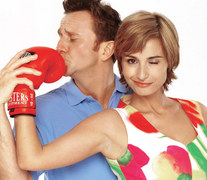 """2002: 1) Para nie do pary We wrześniu poznaliśmy najpopularniejszą polską parę ekranową – """"Kasię i Tomka"""". Perypetiami narzeczonych żyliśmy przez cztery sezony. Bawili nas do łez.  2) Tacy jak my: 12 lutego Polsat wyemitował premierowy odcinek serialu """"Samo życie"""". Był on przez osiem lat sztandarową produkcją stacji i dostarczał nam wielu emocji!"""