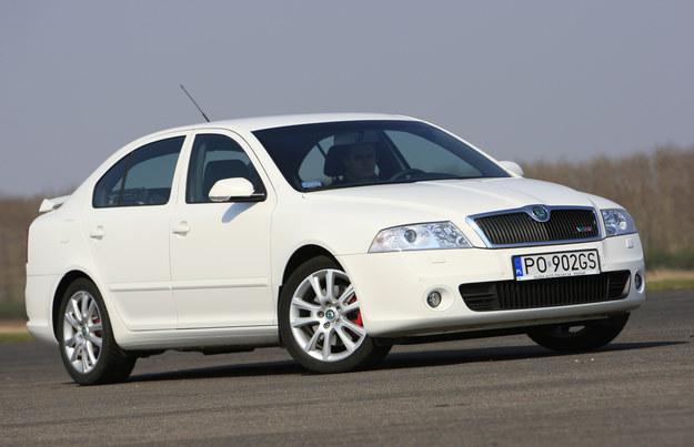 2005-2009. Gdyby nie malutki spojler z tyłu, wersję RS trudno by było wyróżnić z tłumu. /Motor