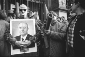 """23 lutego 1989 r. """"Armia radziecka z tobą od dziecka"""" – happening krakowskich studentów"""