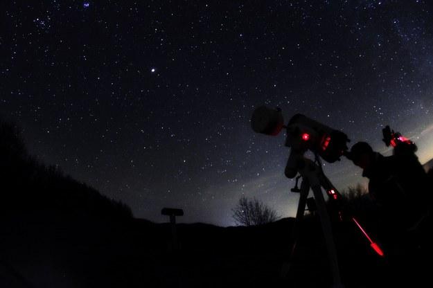 25 kwietnia miłośnicy astronomii będą mogli zobaczyć częściowe zaćmienie Księżyca /©123RF/PICSEL