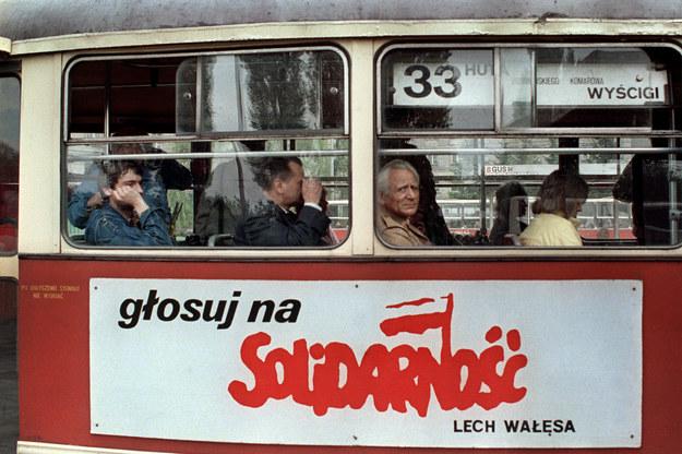29 lat temu odbyły się wybory do Sejmu i Senatu zakończone wielkim zwycięstwem Solidarności /Wojciech Druszcz /AFP