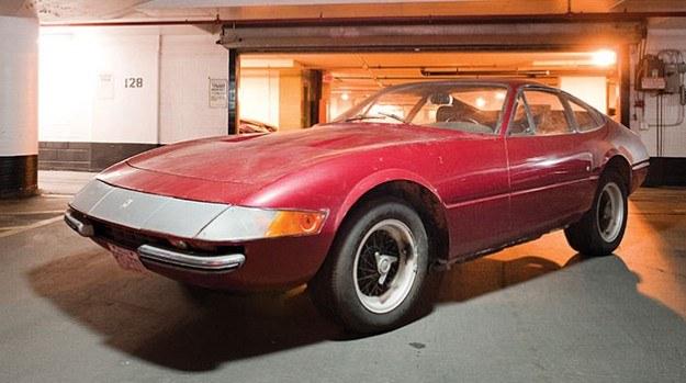 365 GTB/4 to ostatnie Ferrari sprzed ery Fiata, który kupił połowę udziałów w firmie z Maranello w 1969 roku. /RM Auctions