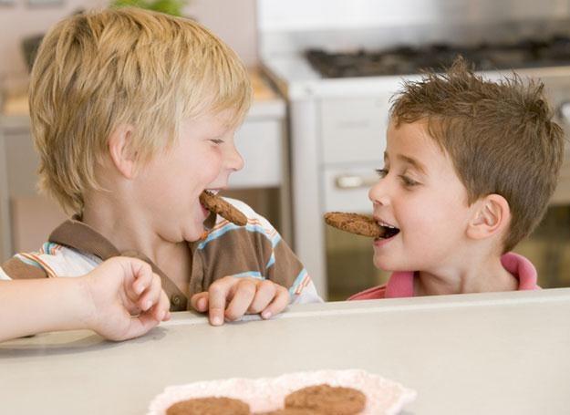 45,5 proc. dzieci w wieku od roku do trzech lat ma prawidłowy indeks BMI /© Panthermedia