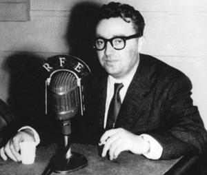 5 grudnia 1953 r. Józef Światło uciekł do Berlina Zachodniego i wystąpił o azyl polityczny