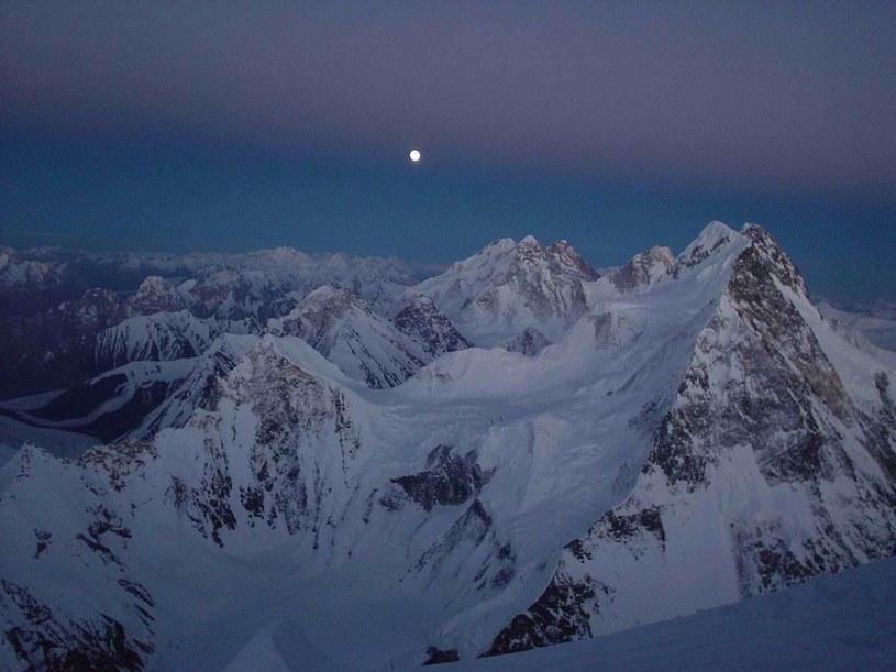 5 marca czteroosobowy zespół, który pojechał na Broad Peak w ramach programu Polski Himalaizm Zimowy 2010-2015, stanął na szczycie /DOYCHIN BOYANOV    /PAP/EPA