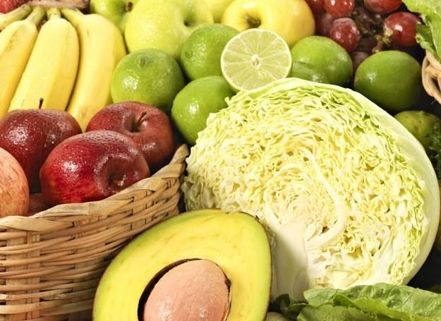 5 porcji warzyw, owoców lub soku w ciągu dnia to zalecana przez specjalistów naturalna dawka witamin /INTERIA.PL/materiały prasowe
