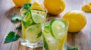 6 powodów, dla których warto pić wodę z cytryną