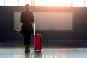 66 procent Polek chce pracować za granicą