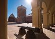 Górujący nad Lublinem zamek z XIII-wieczną wieżą oraz Kaplicą Trójcy Świętej z bezcennymi bizantyńsko- ruskimi freskami to jeden z najważniejszych zabytków miasta. W 2013 r. po kilku latach remontu został w pełni udostępniony turystom. To była wyjątkowo trudna praca, która nie ograniczała się tylko do robót konserwatorskich, lecz przede wszystkim wymagała gruntownego osuszenia budowli i stabilizacji niebezpiecznie pękających murów. Dzięki zastosowaniu innowacyjnych rozwiązań skutecznie zabezpieczono zabytek przed dalszym niszczeniem