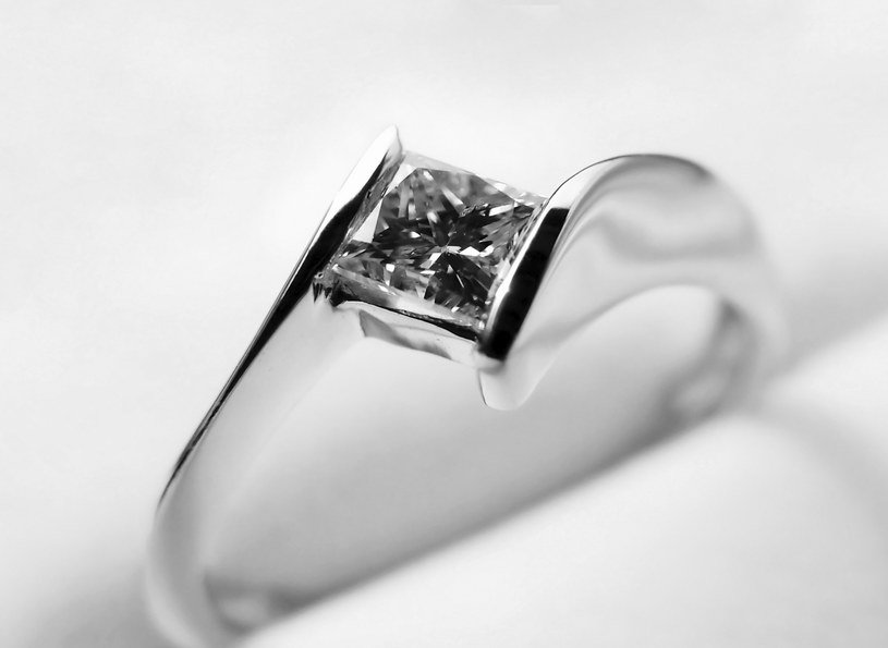 7 rad, jak wybrać pierścionek zaręczynowy /materiał zewnętrzny