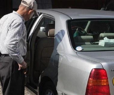 75-latkom odbierać prawo jazdy?  A niby dlaczego?