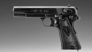 8 lutego 1935 r. Opatentowano pistolet VIS wz. 35, broń marzenie każdego żołnierza.