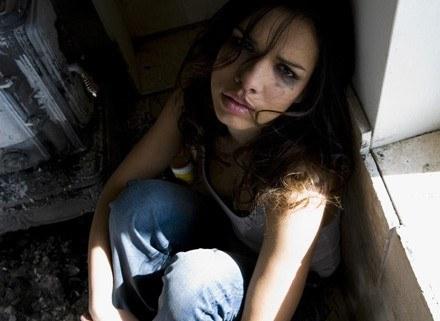 80 proc. gwałcicieli zna swoje ofiary /ThetaXstock