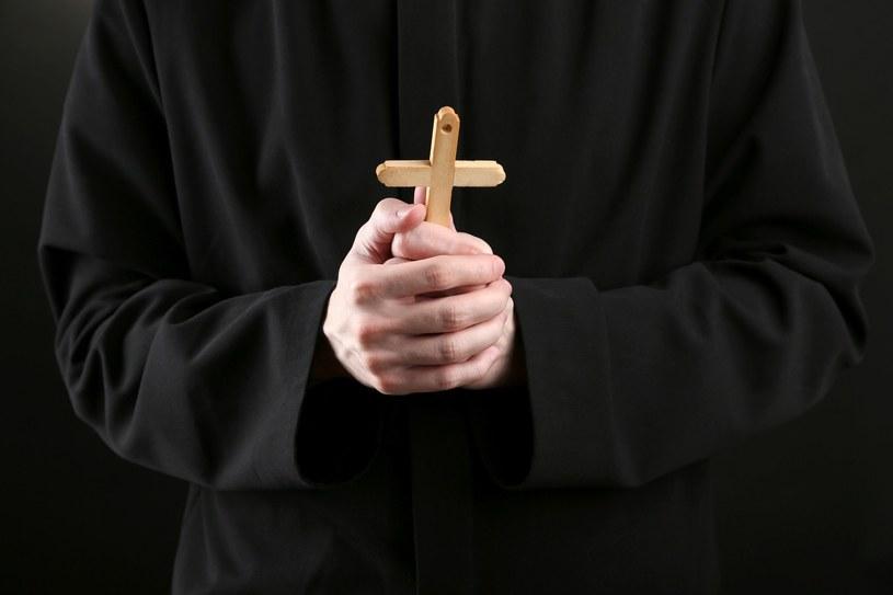82 proc. Polaków uważa, że katolicy w życiu publicznym mają prawo wyrażać swoje poglądy wynikające z przynależności religijnej /123RF/PICSEL