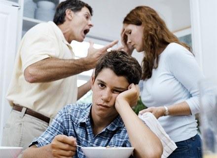 9 na 10 rodaków zazwyczaj rozwiązuje konflikty przez rozmowę