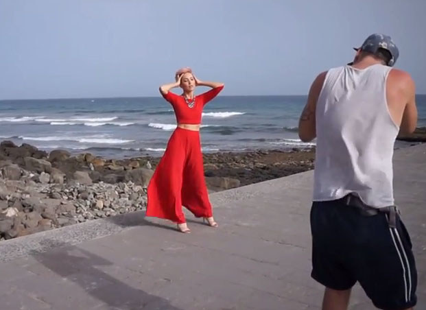 """A tak wyglądała sesja na Gran Canaria /Screen z vloga """"Magda Steczkowska Life"""" /INTERIA.PL"""