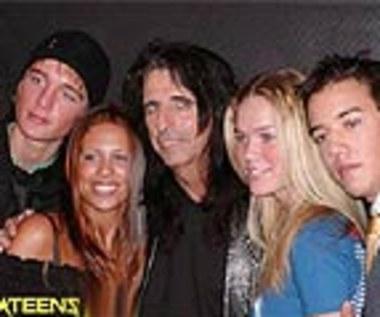 A*Teens nagrali utwór z Alice Cooperem