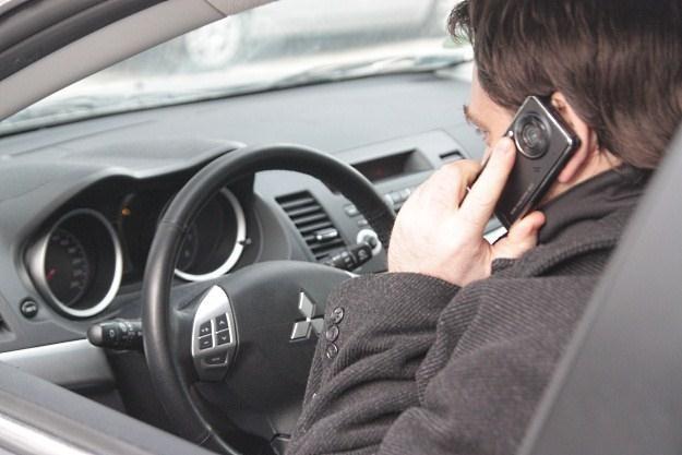 A ty rozmawiasz przez telefon podczas jazdy? /INTERIA.PL
