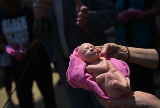 Aborcja łamaniem praw człowieka? /AFP