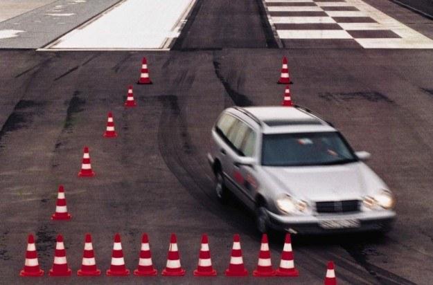 ABS umożliwia zachowanie kontroli nad pojazdem /