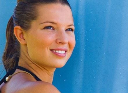 Aby dobrać odpowiednie kosmetyki, trzeba rozpoznać typ skóry /ThetaXstock
