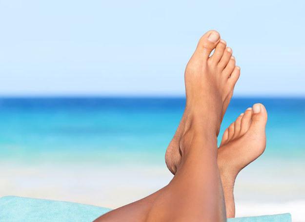 Aby stopy były zadbane, wystarczy odrobina chęci /123RF/PICSEL